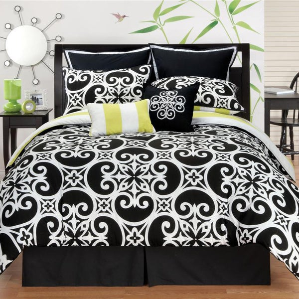 VCNY Kennedy Reversible 8-piece Comforter Set