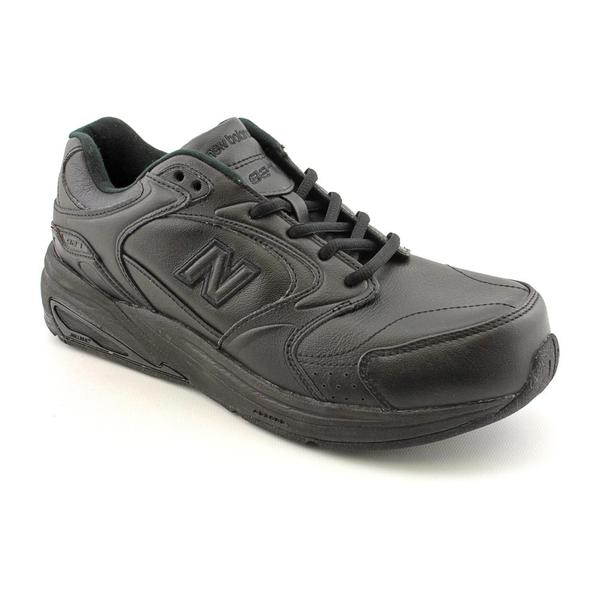 New Balance Women's 'WW927' Leather Athletic Shoe - Wide (Size 5)