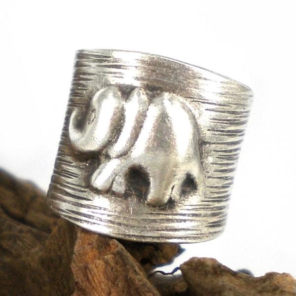 Elephant Stripes Thai Karen Silver Handmade Wrap Ring (Thailand)