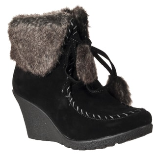 Bamboo by Riverberry Women's 'Marlyn' Black Faux Fur-trimmed Ankle Boots