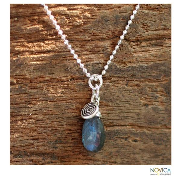 Labradorite Pendant Necklace 'Subtle' (Thailand)