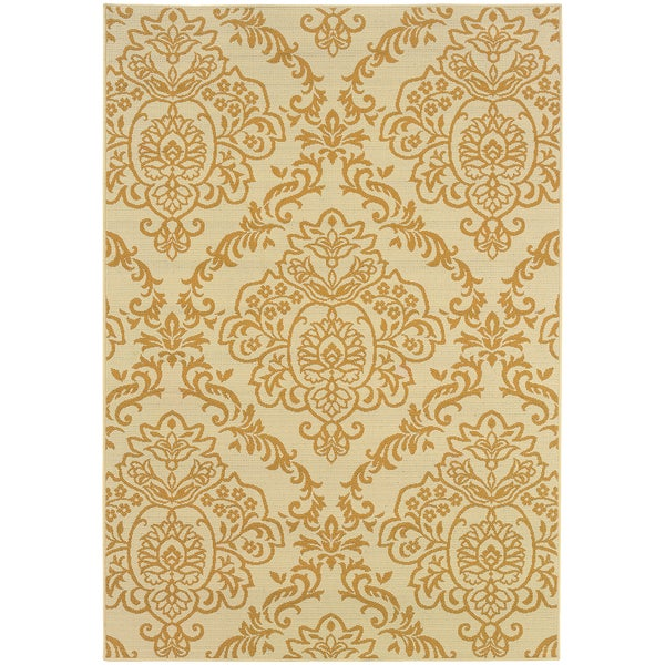 Outdoor/ Indoor Ivory/ Gold Area Rug