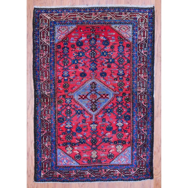 Persian Hand-knotted Tribal Hamadan Red/ Ivory Wool Rug (3'4 x 5')