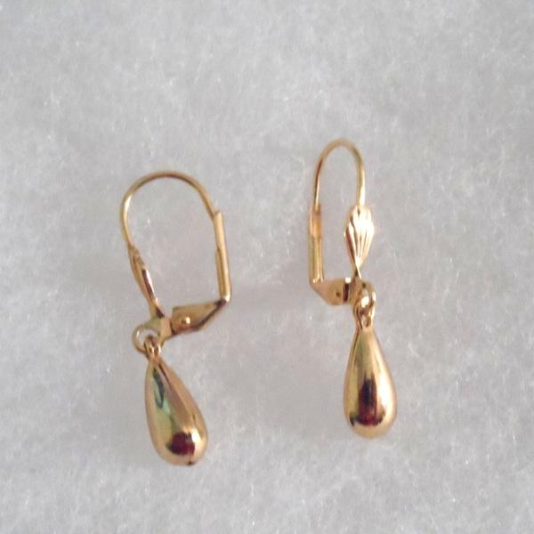 18k Gold Tear Drop Earrings
