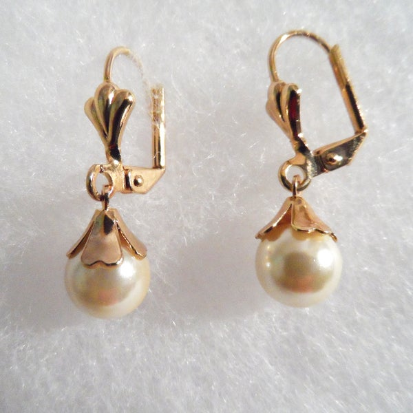 18k Gold with Pearl Earrings