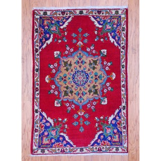 Persian Hand-knotted Tribal Tabriz Red/ Ivory Wool Rug (3'3 x 4'11)