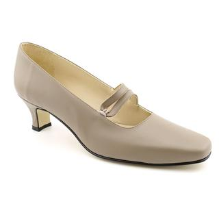 Daisy Women's 'Elizabeth' Synthetic Dress Shoes - Wide