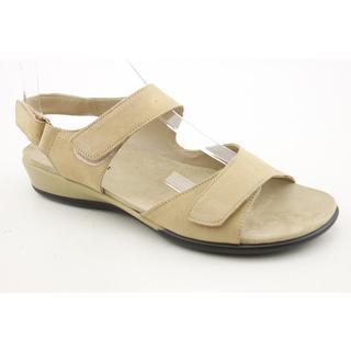 Easy Spirit Women's 'Hartwell' Nubuck Sandals - Extra Wide