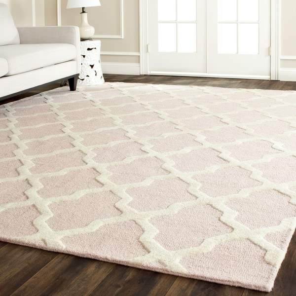 Safavieh Traditional Handmade Cambridge Moroccan Light-Pink Wool Rug