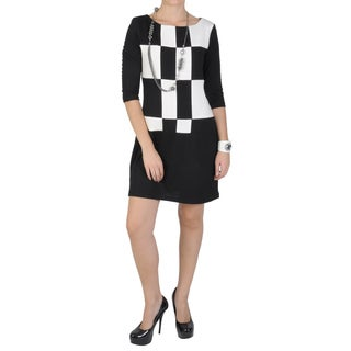 Sangria Women's Scoop Neck Checker Print Dress