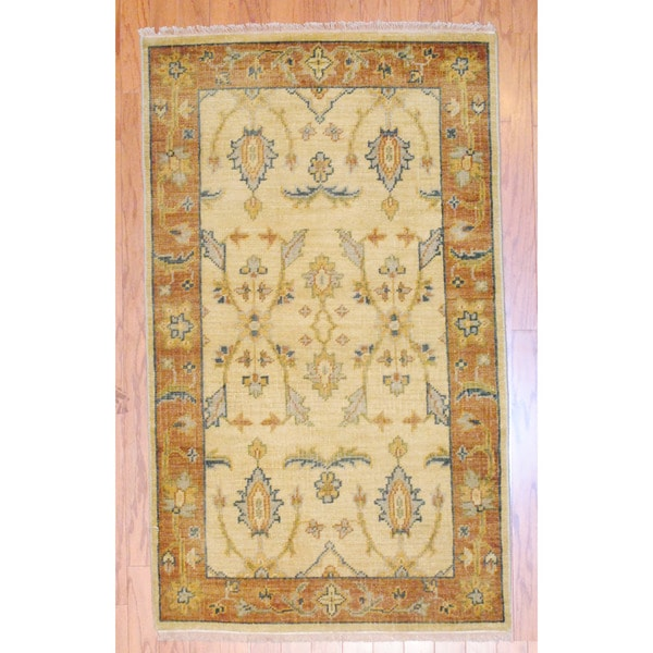Indo Hand-knotted Oushak Ivory/ Rust Wool Rug (3' x 5')