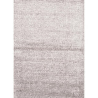 Hand-loomed Solid Gray Bamboo Silk Rug (5' x 8')