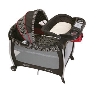 Graco Silouette Pack 'n Play in Edgemont
