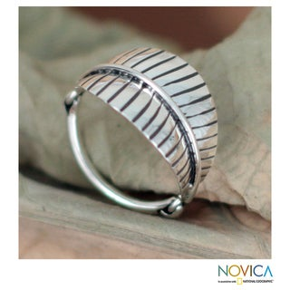 Handcrafted Sterling Silver 'Lush Foliage' Ring (Mexico)