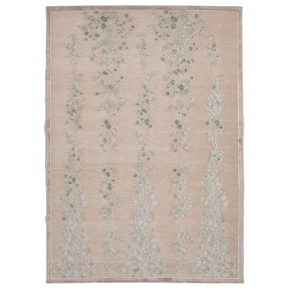 """Transitional Ivory/White Viscose/Chenille Floral Rug (7'6"""" x 9'6"""")"""