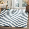 Hand-woven Chevron Dhurrie Blue Wool Rug