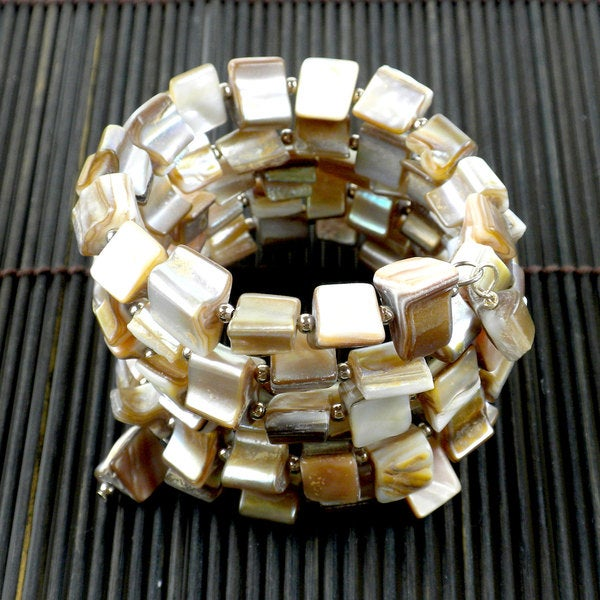 Handcrafted Mother of Pearl Wrap Bracelet Ivory (China)