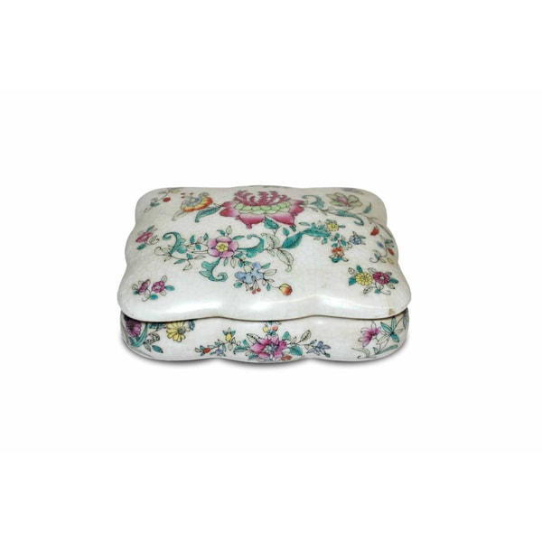 Floral Scallop-edged Porcelain Box