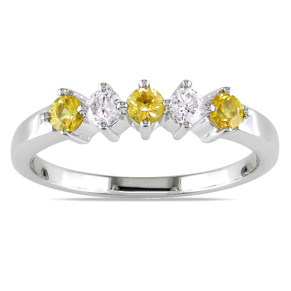 Miadora Signature Collection 18k Gold Yellow Sapphire and 1/6ct TDW Diamond Ring (H-I, SI2)