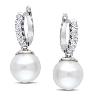 Miadora 10k White Gold Pearl and 1/4ct TDW Diamond Earrings (G-H, I1-I2)