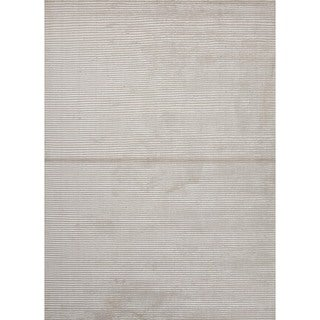 Hand-loomed Solid White/ Ivory Wool/ Silk Rug (9' x 12')
