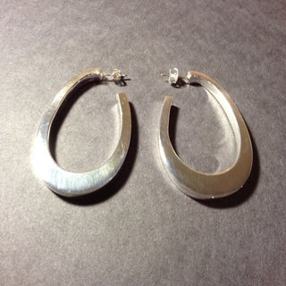 Handcrafted Silvertone Large Teardrop Post Earrings (Mexico)