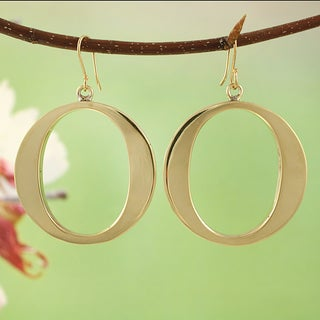 Handcrafted Goldtone Large Circle Dangle Earrings (Mexico)