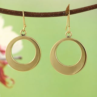 Handcrafted Goldtone Circle Dangle Earrings (Mexico)