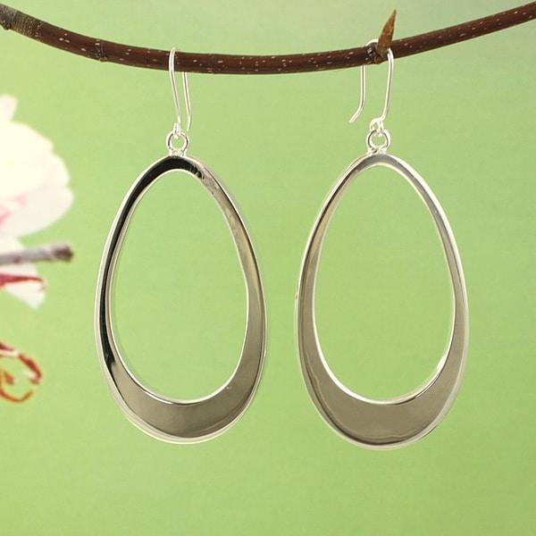 Handcrafted Silvertone Large Teardrop Dangle Earrings (Mexico)