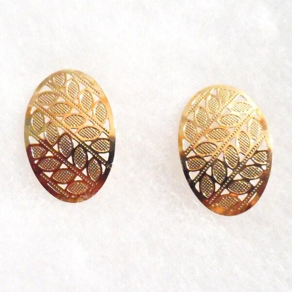 Ann Marie Lindsay 18k Gold Stamped Leaves Stud Earrings