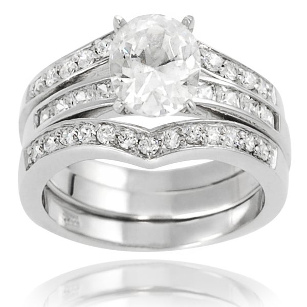 Journee Collection Sterling Silver Oval-cut Cubic Zirconia Bridal-style Ring