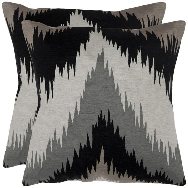 Safavieh Great Bason 18-inch Black/ Grey Decorative Pillows (Set of 2)