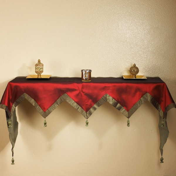 Crushed Border Burgundy Mantle Cover