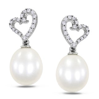 Miadora 10k White Gold Pearl and 1/4ct TDW Diamond Earrings (H-I, I2-I3)