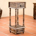 Handcrafted Pinewood 'Tepatitlan Brown' Accent Table (Mexico)