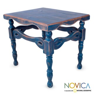 Handcrafted Pinewood 'Hidalgo Royal Blue' End Table (Mexico)