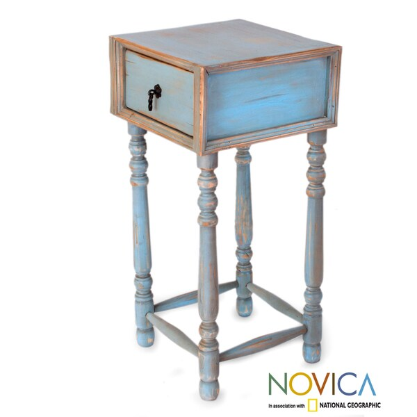 Handcrafted Pinewood 'Arandas Sky' Accent Table (Mexico)