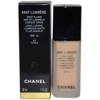 Chanel Mat Lumiere &#39;Petale&#39; Long Lasting Luminous Matte Fluid Makeup