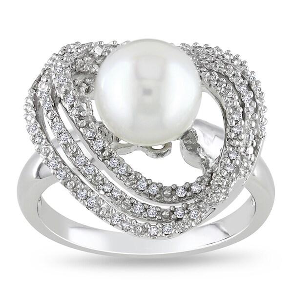 Miadora Sterling Silver Pearl and 1/4ct TDW Diamond Ring (I-J, I2-I3)