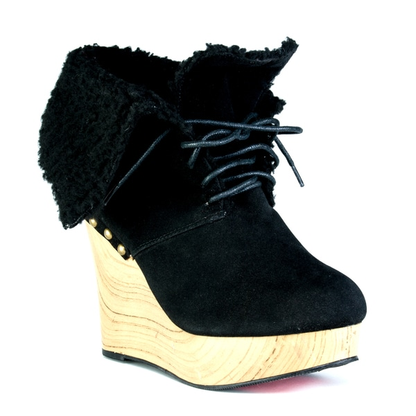 Toi et Moi Women's 'Alaina' Fleece-lined Wedge Booties