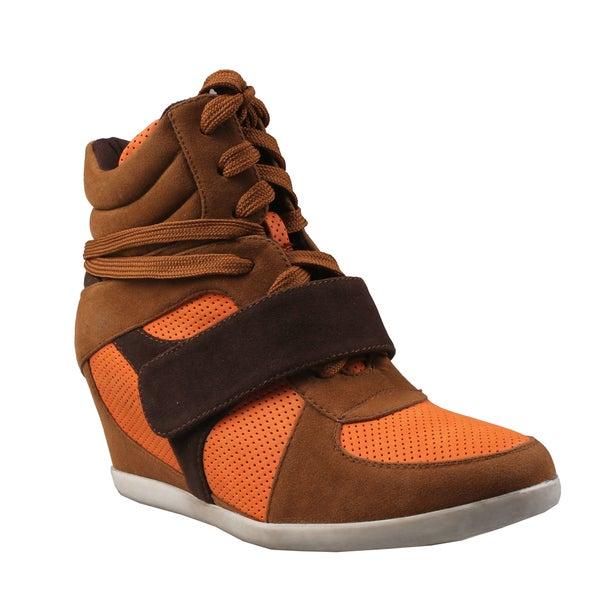 Refresh by Beston Women's 'Dakota' Camel Hidden Wedge Sneakers