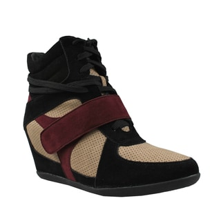 Refresh by Beston Women's 'Dakota' Black and Wine Hidden Wedge Sneakers