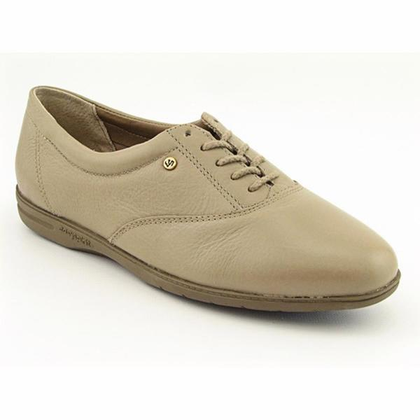 Easy Spirit Women's 'Motion' Leather Casual Shoes - Wide (Size 11)