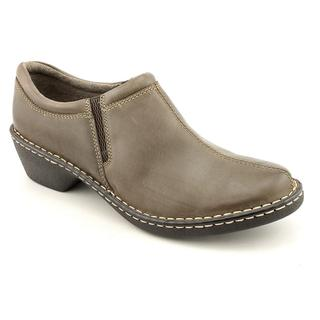 Eastland Women's 'Amore' Leather Casual Shoes - Wide