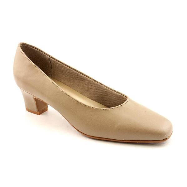 Life Stride Women's 'Jade' Synthetic Dress Shoes - Wide (Size 6)