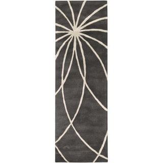 Hand-tufted Escalade Iron Ore Floral Wool Rug (2'6 x 8')