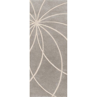 Hand-tufted Celica Bay Leaf Floral Wool Rug (2'6 x 8')