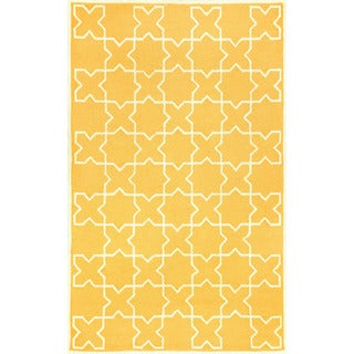 Hand-tufted Yellow Tiles Outdoor Rug (7'6 x 9'6)