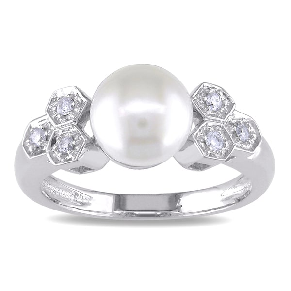 Miadora 14k White Gold Cultured Freshwater Pearl and 1/10ct TDW Diamond Ring (J-K, I2-I3)