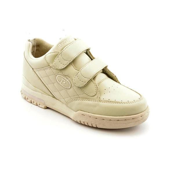 Propet Women's 'Walking' Leather Athletic Shoe - Narrow (Size 6)